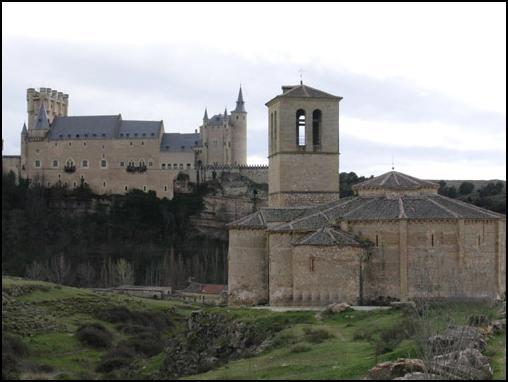 Conoced algo de Castilla la Vieja y Nueva. Iglesiadelaveracruzabside01