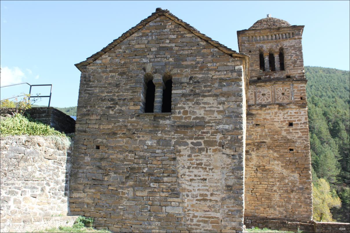 Iglesia de San Bartolome en Gavin
