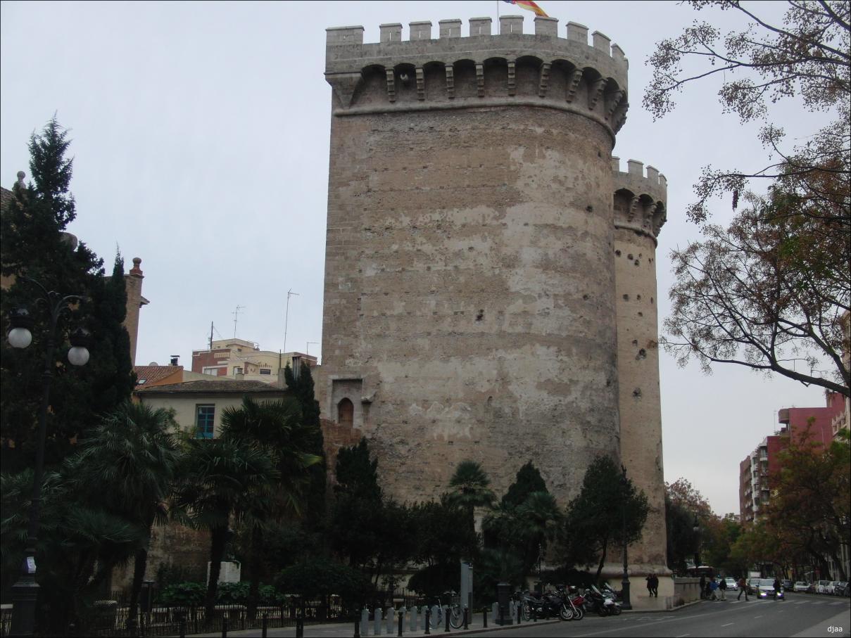 Resultado de imagen de muralla torres de quart
