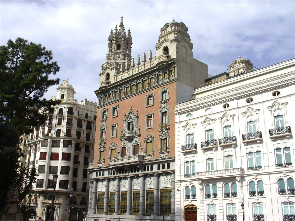 Edificio de bancaja for Caja murcia valencia oficinas
