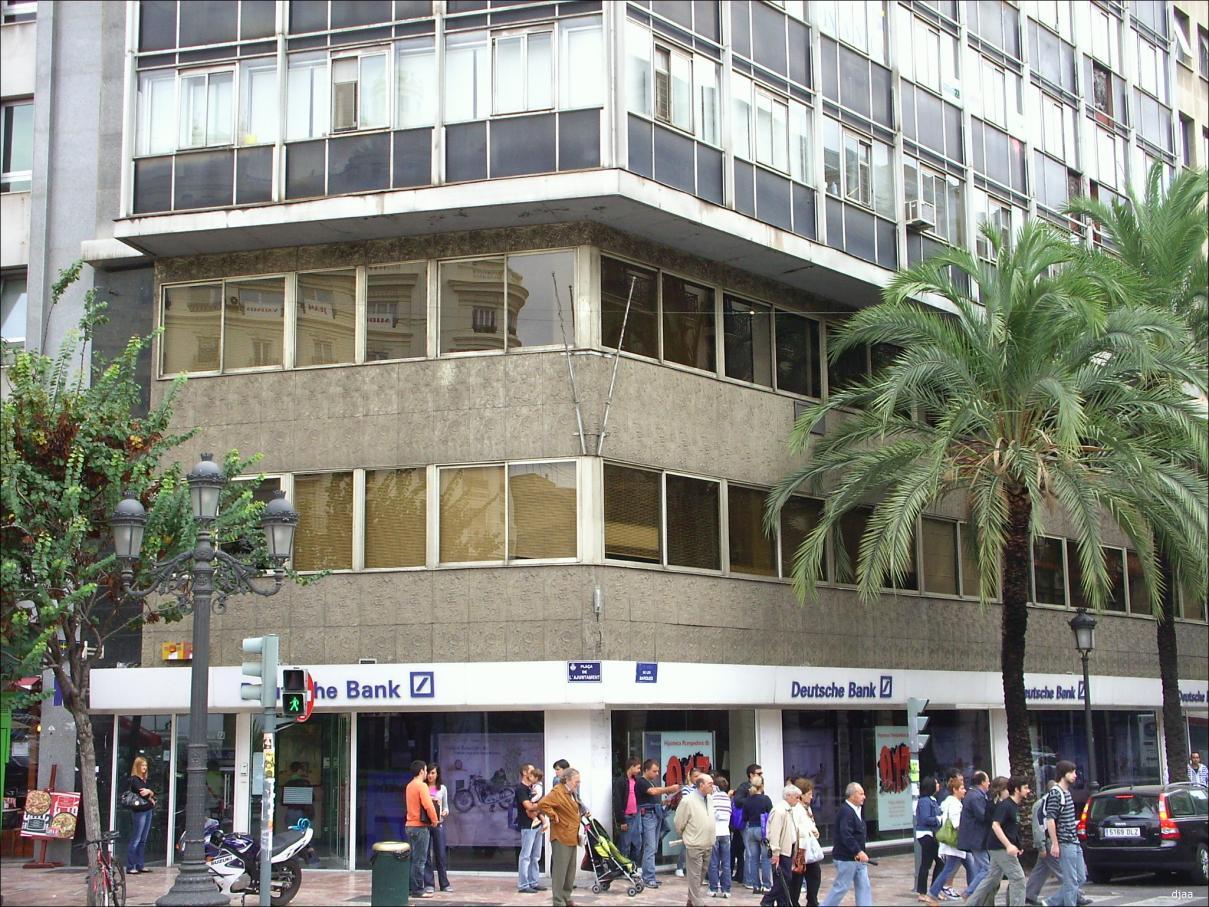 Edificio plaza ayuntamiento 20 for Oficinas deutsche bank valencia