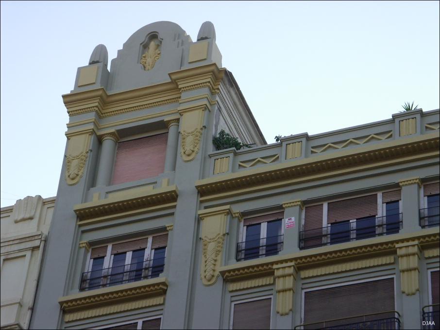 Edificio plaza ayuntamiento n 6 for Recogida muebles ayuntamiento valencia