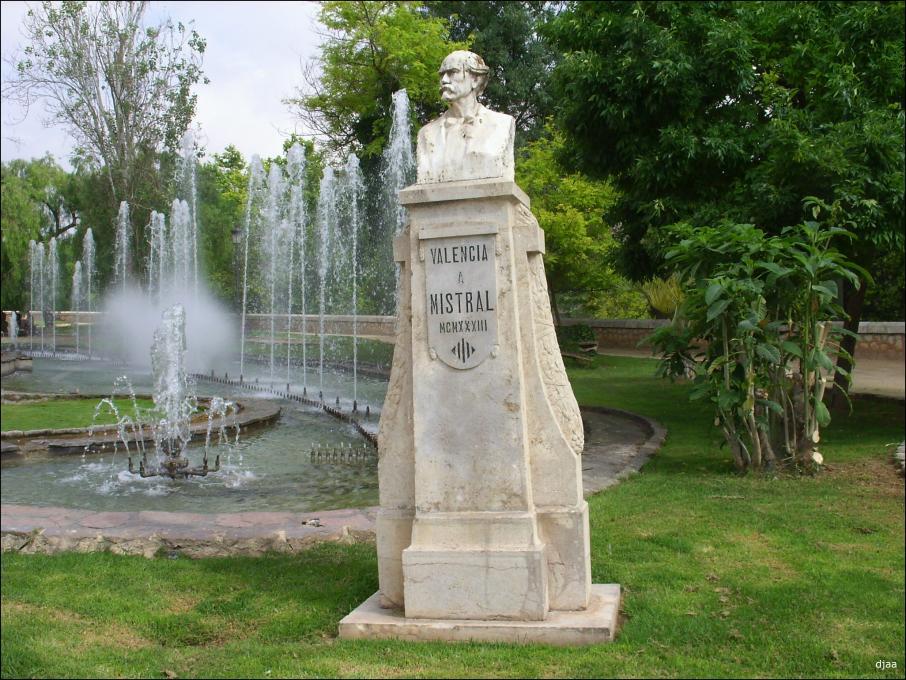 Monument a Mistral en Valencia