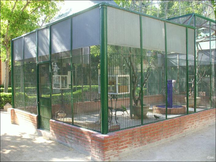 Jardines de los viveros o del real for Pajarera jardin