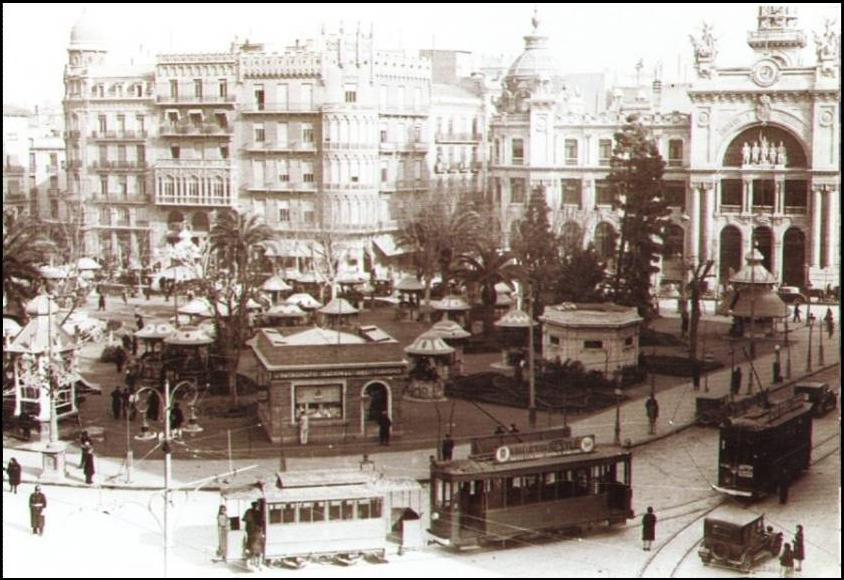 Historia De La Plaza Del Ayuntamiento