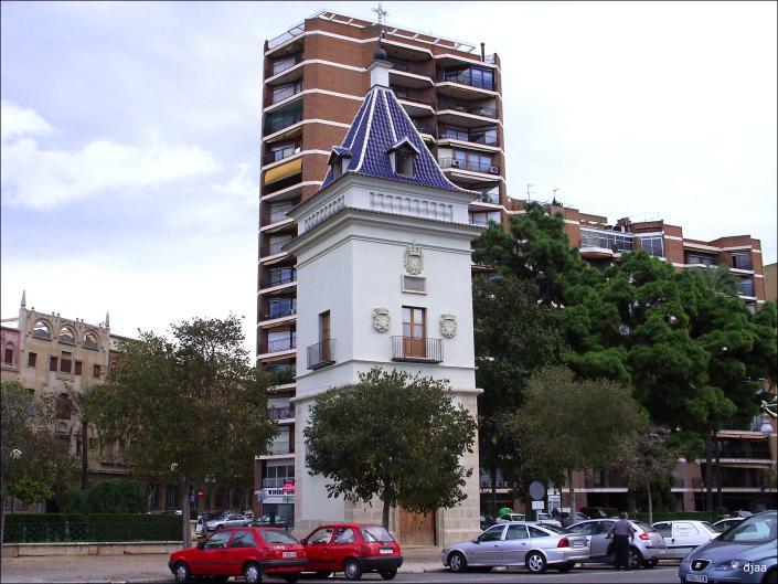 La alameda de valencia for Piscina de valencia alameda